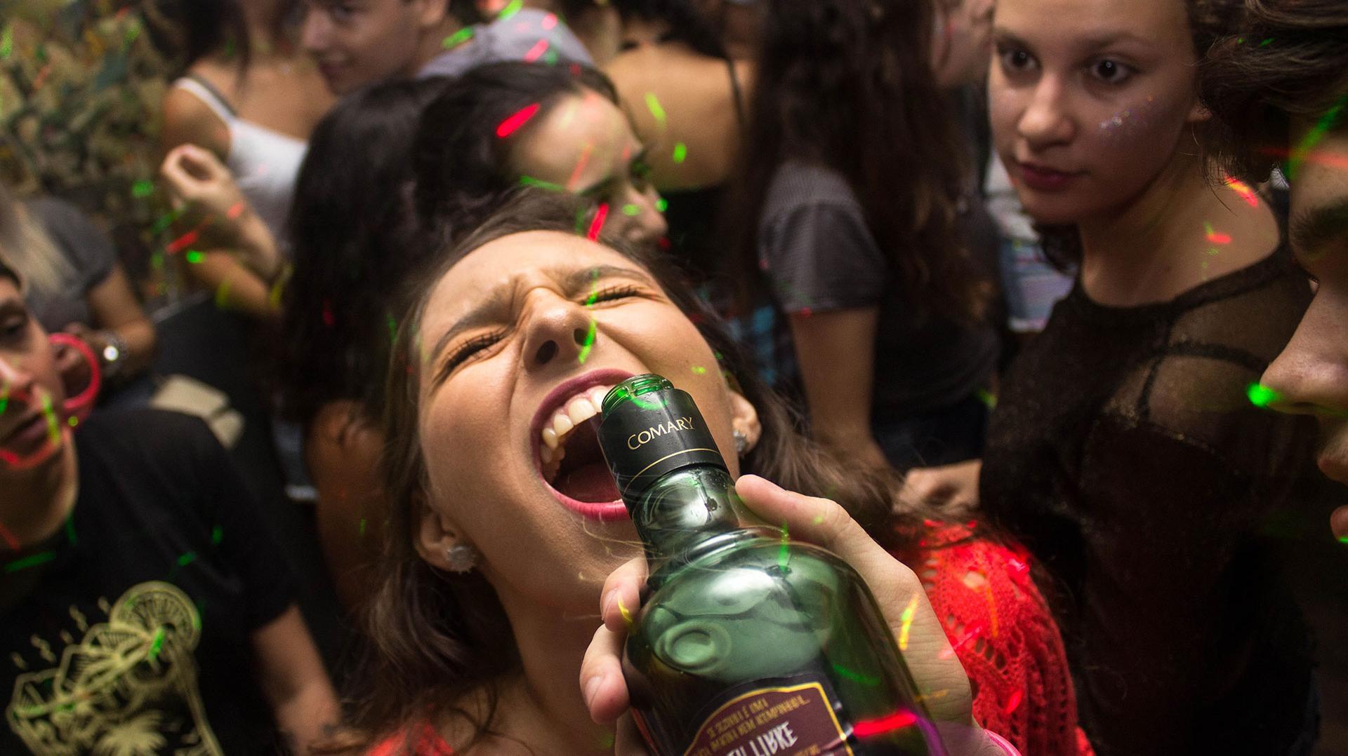 Alkohol Weihnachtsfeier.Anti Weihnachtsfeier Knigge So Trittst Du In Jedes Fettnäpfchen