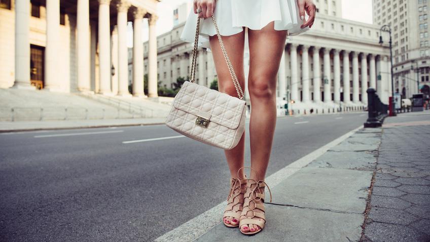 Perfekt kombiniert: Die richtigen Schuhe zu jedem Rock